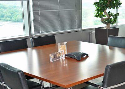 Vezetői iroda tárgyalója